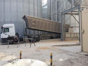 Perry of Oakley maize unloading system Flaking Mill Upgrade